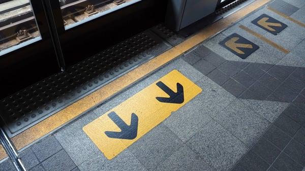 Subway platform arrows