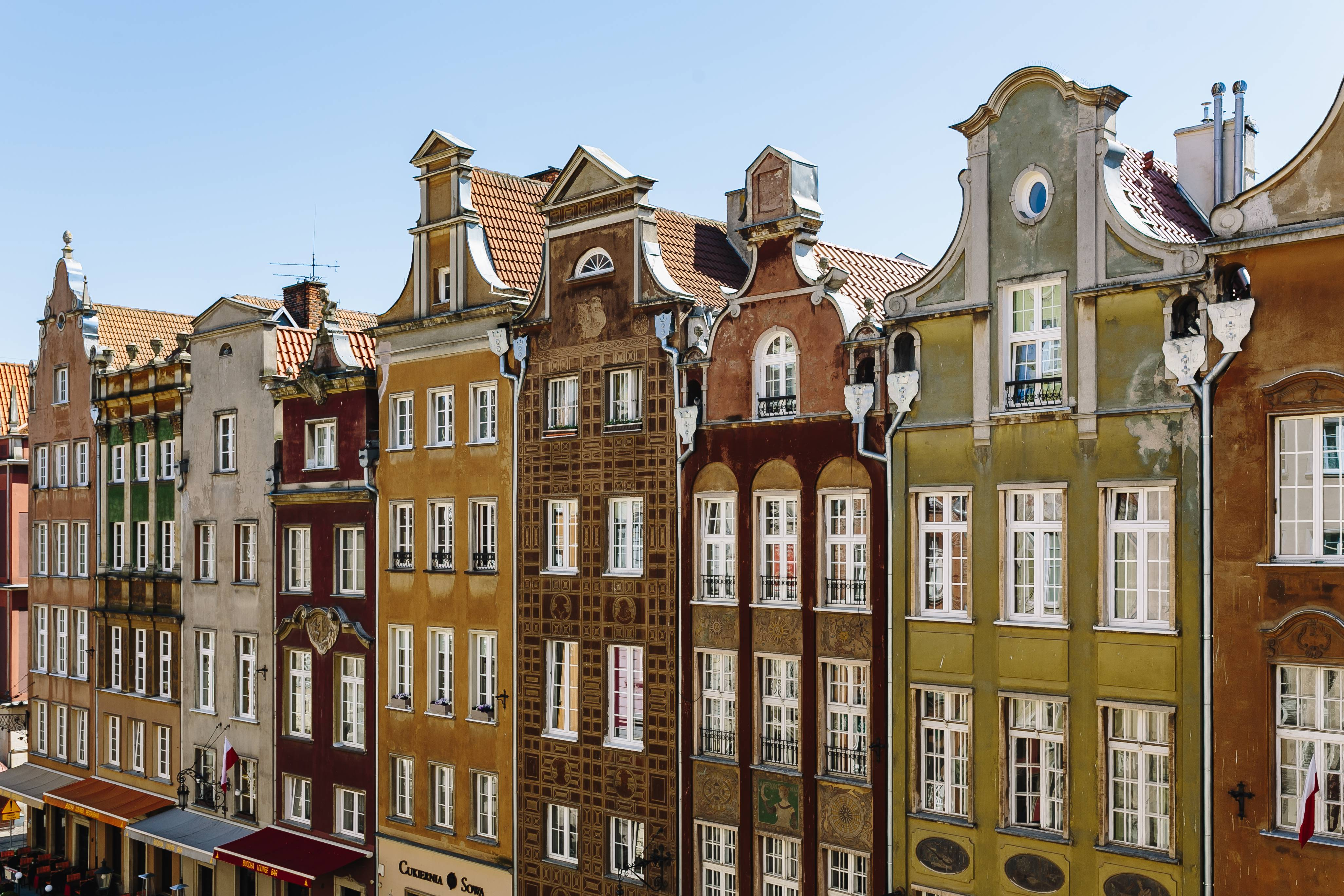 Tenement houses showing how to use HubSpot's lead segmentation tools