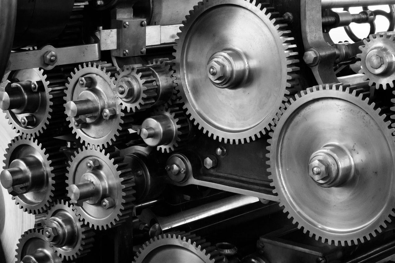 gears and cogs show Automation makes B2B email marketing easier